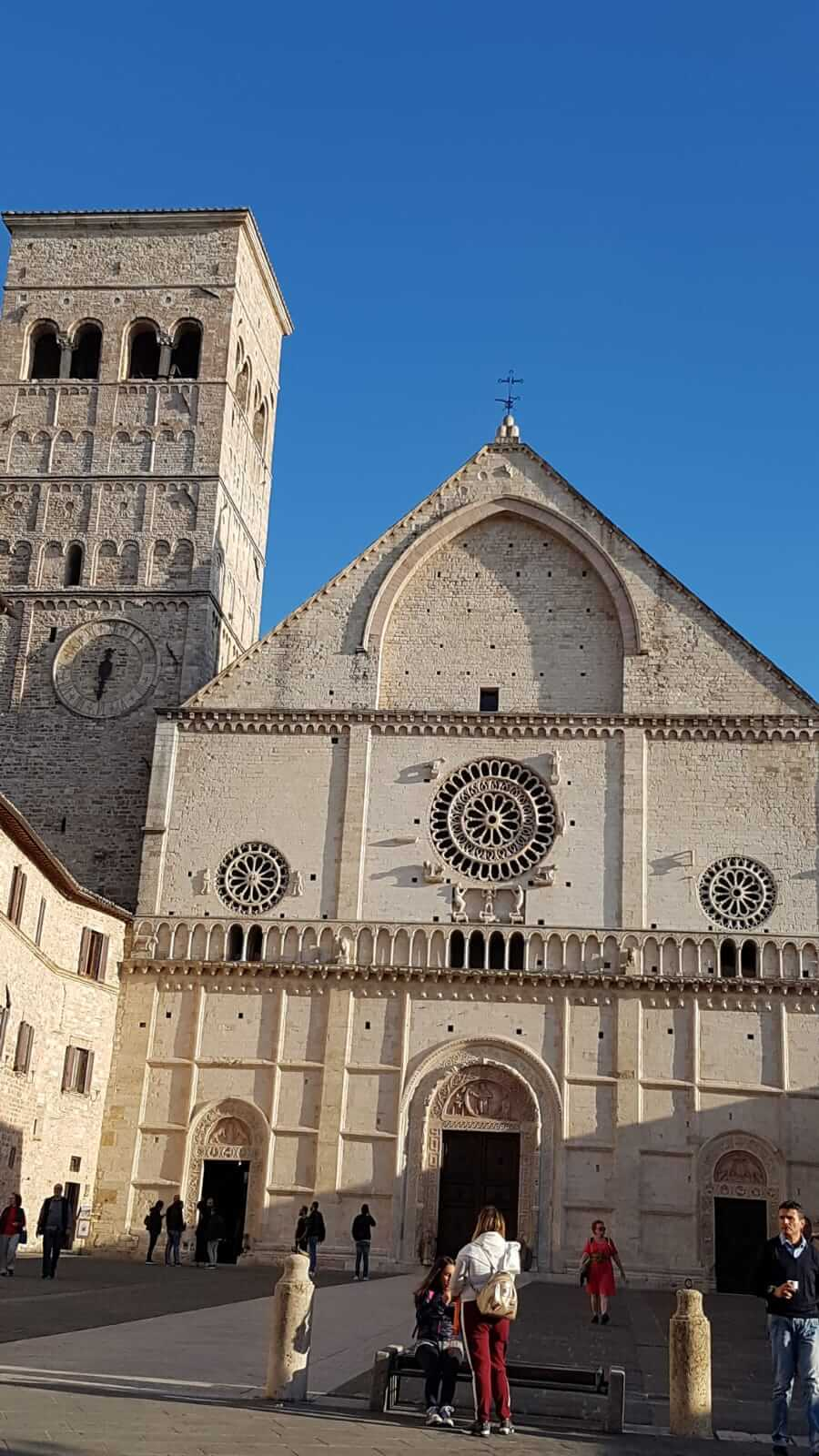 Assisi : vista della basilica